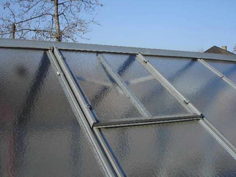 Střešní okno Hobby - bez výplně