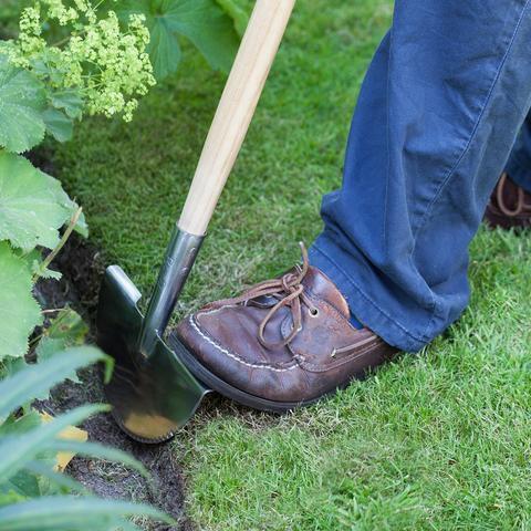 Burgon&Ball Půlkruhový ořezávač hran trávníků