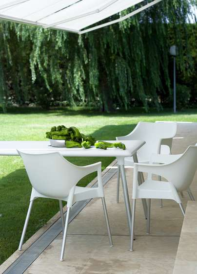 Zahradní set 4 ks křesel POLE pro venkovní i vnitřní použití Resol